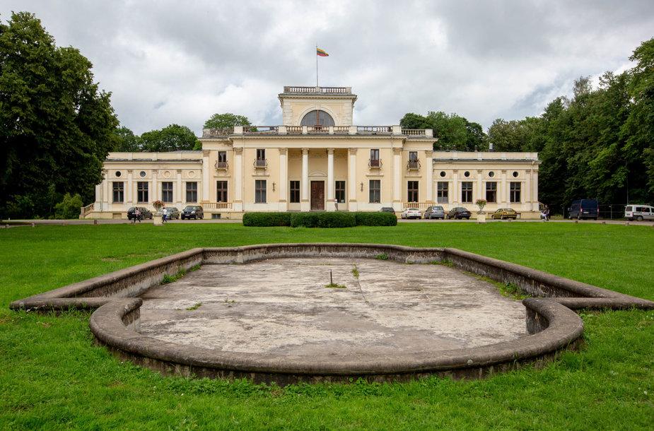 Tvarkoma Trakų Vokės dvaro sodyba ir parkas
