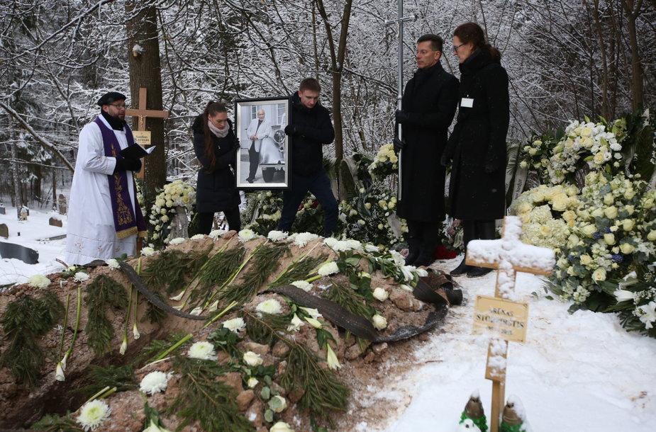 S.Karoso laidotuvės
