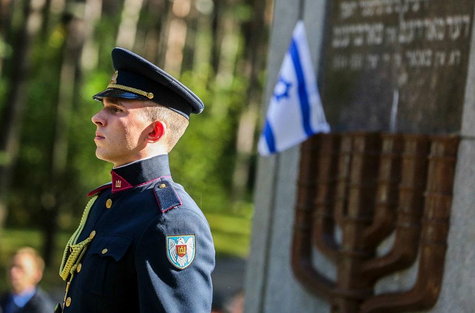 Lietuvos žydų genocido aukų pagerbimo ceremonijoje Panerių memoriale