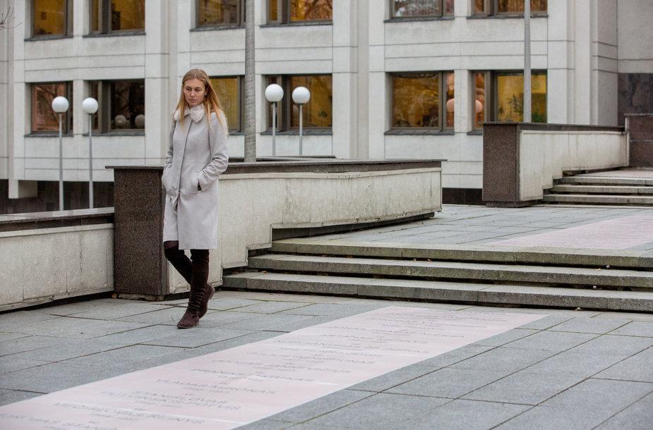 Vilniuje V.Kudirkos aikštėje komisija vertino būsimo sušaudytų Vyriausybės narių atminimo įamžinimo projektą