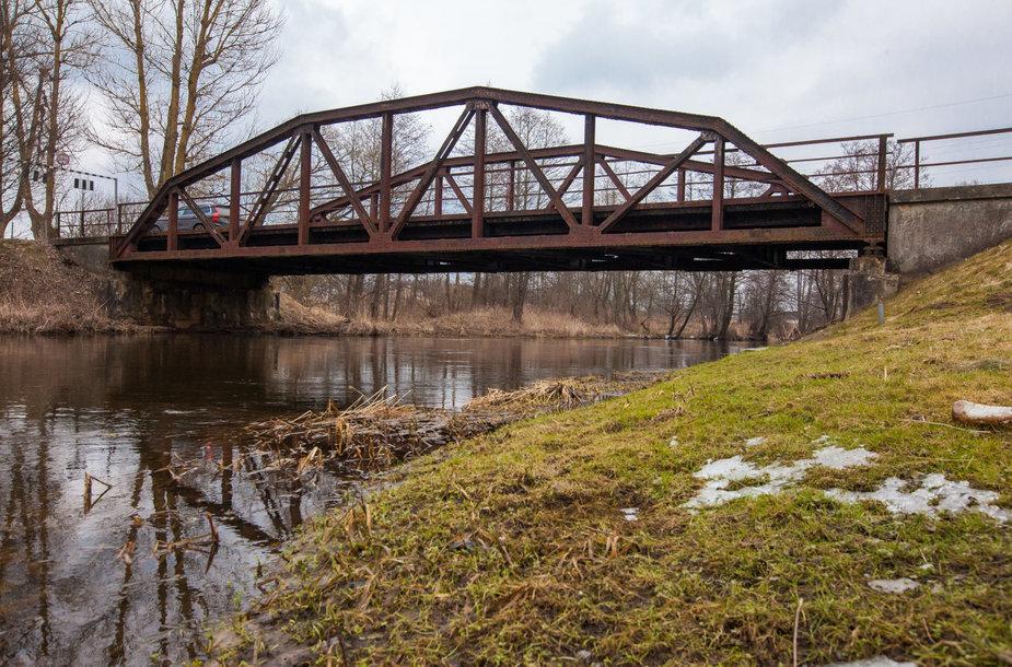 Suplanuotas nugriauti istorinis Kazbėjų tiltas per Vokę