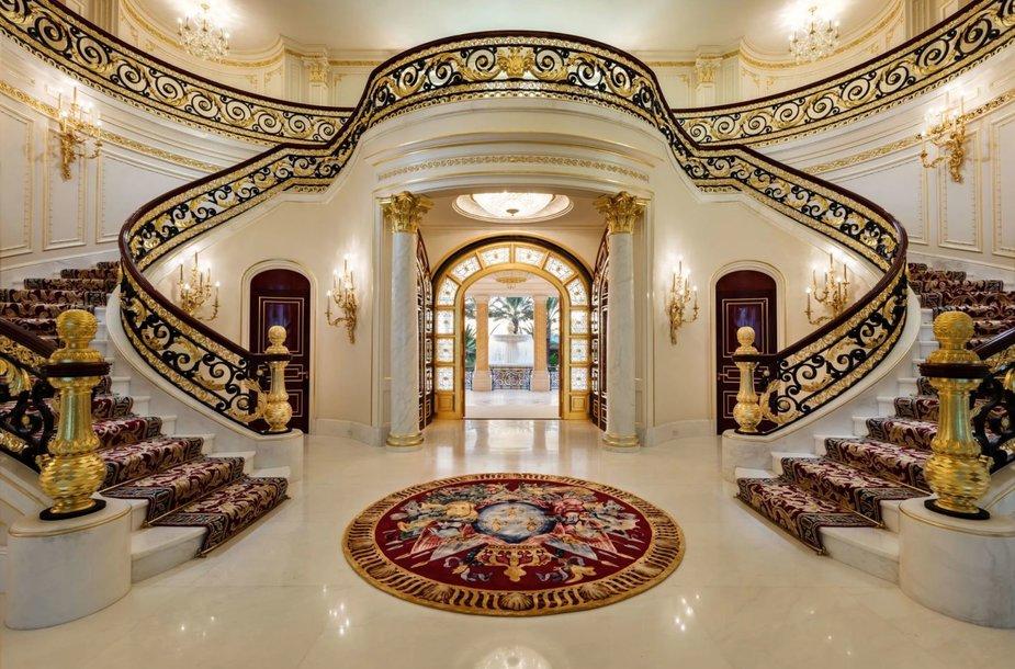 Floridoje parduotas pagal Versalio rūmus sukurtas dvaras