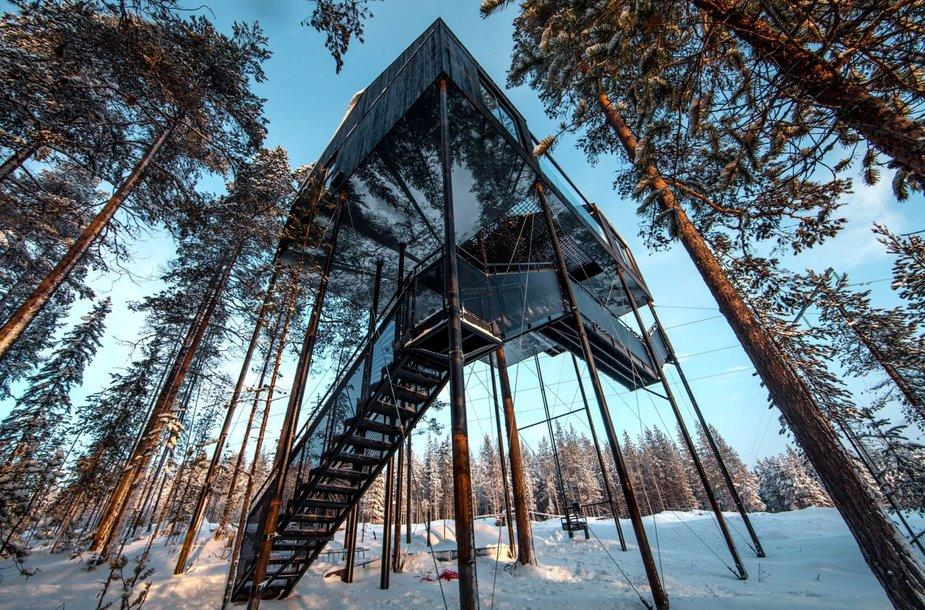 Prabangus namas medyje Švedijoje