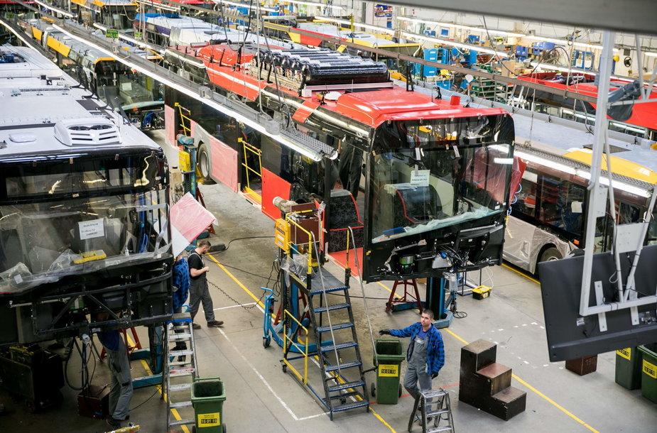 """Gamykloje """"Solaris Bus & Coach S.A"""" gaminami autobusai Vilniui"""