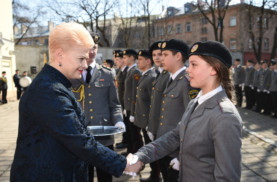 Prezidentė pasveikino Generolo Povilo Plechavičiaus mokyklos kadetus ir priima jų priesaikas