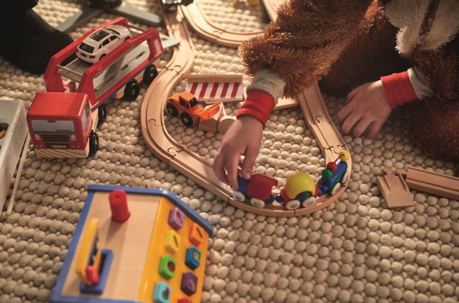 """Kalėdiniame """"Lidl"""" asortimente pasirodysiantys aukščiausius kokybės reikalavimus atitinkantys žaislai yra pagaminti iš medienos, turinčios FSC sertifikatą"""
