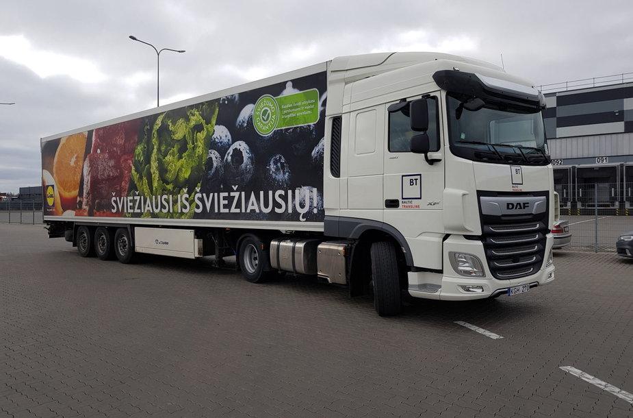 """Prieš dirbdama su """"Lidl"""" bendrovė """"Baltic transline"""" turėjo apie 250 vilkikų, o šių metų pabaigoje turės jau 500"""