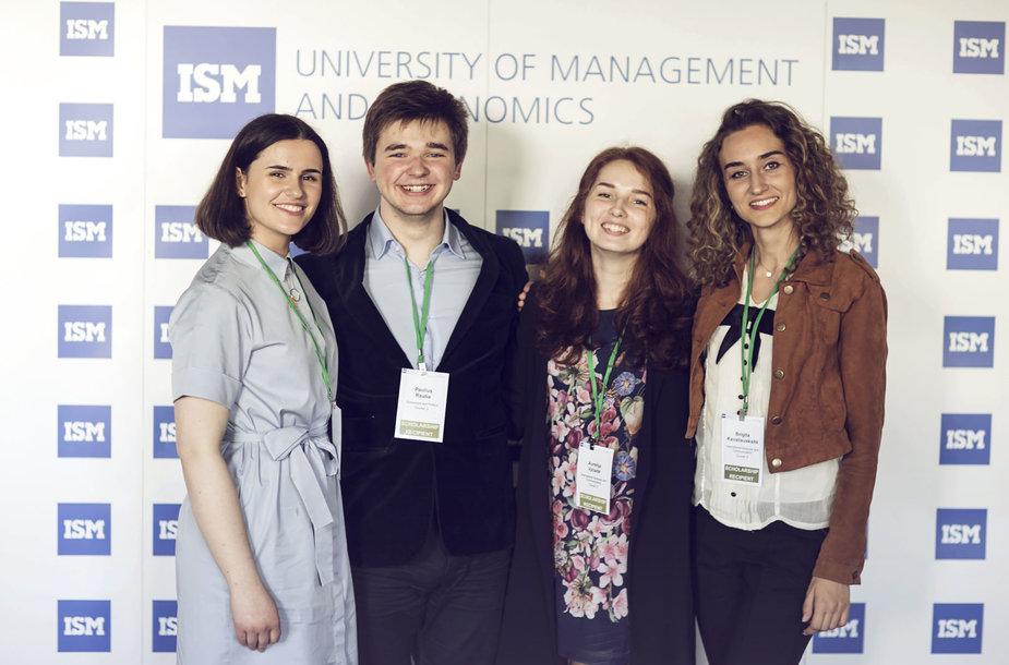 ISM studentai Silvija Kalinauskaitė, Paulius Rauba, Aurelija Vyčaitė ir Brigita Kavaliauskaitė