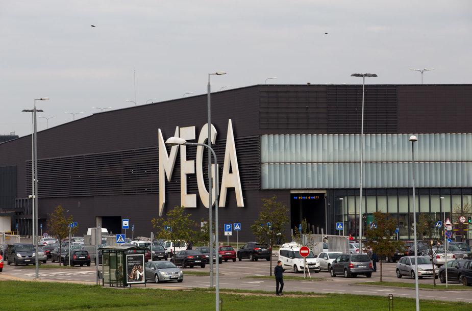 """Prekybos centro """"Mega"""" stovėjimo aikštelė"""