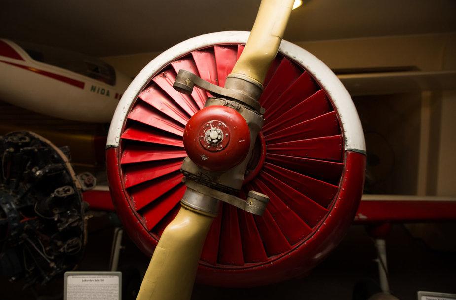 Susidomėjusi minia užplūdo Lietuvos aviacijos muziejų