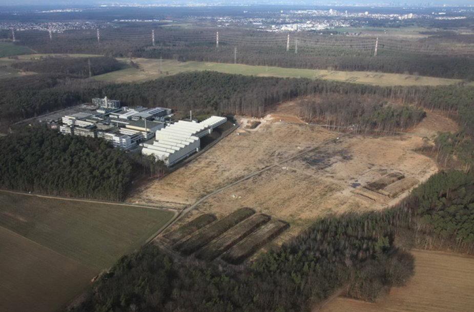 FAIR tyrimų centras yra statomas 20 hektarų žemės plote, o šiam darbui ketinama sunaudoti 35 tūkst. tonų plieno ir 600 tūkst. kubinių metrų betono