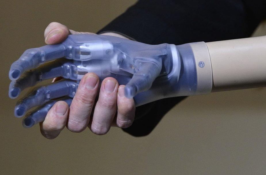 Dirbtine elektronine oda galėtų būtų padengiami įvairūs protezai