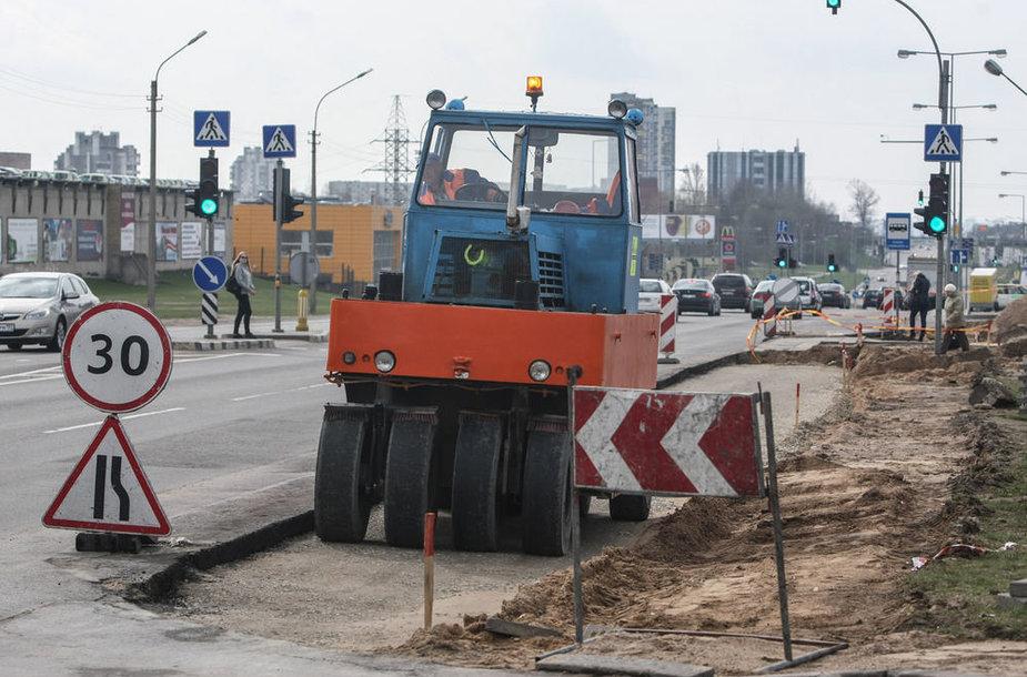 Įrengiant naujas viešojo transporto juostas platinamos Vilniaus gatvės