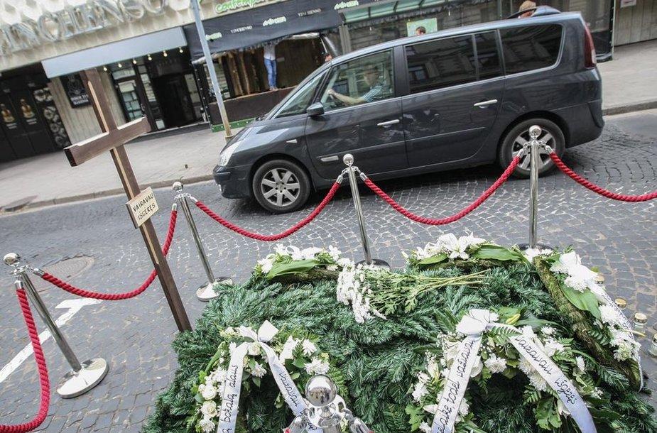 """Išskirtinė """"Nevairuok išgėręs"""" akcijos instaliacija Islandijos gatvėje, Vilniuje"""