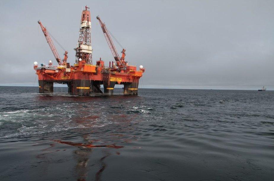 """Karos jūroje """"Exxon Mobil"""" rado didžiulį naftos telkinį"""