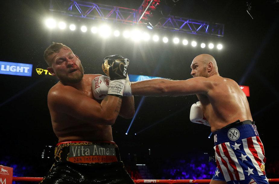 Tysonas Fury ir Tomas Schwarzas bei jų dvikova Las Vegase.