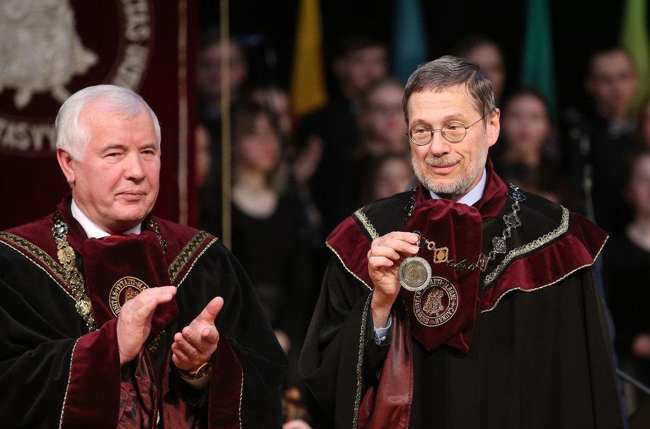 Liudui Mažyliui suteiktas VDU garbės profesoriaus vardas