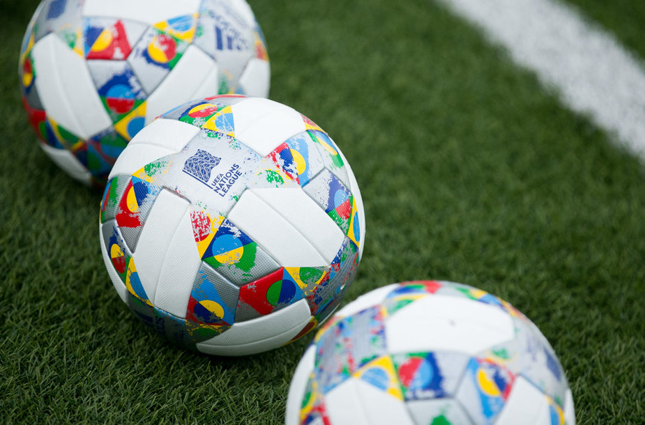 UEFA Tautų lygos futbolo kamuolys