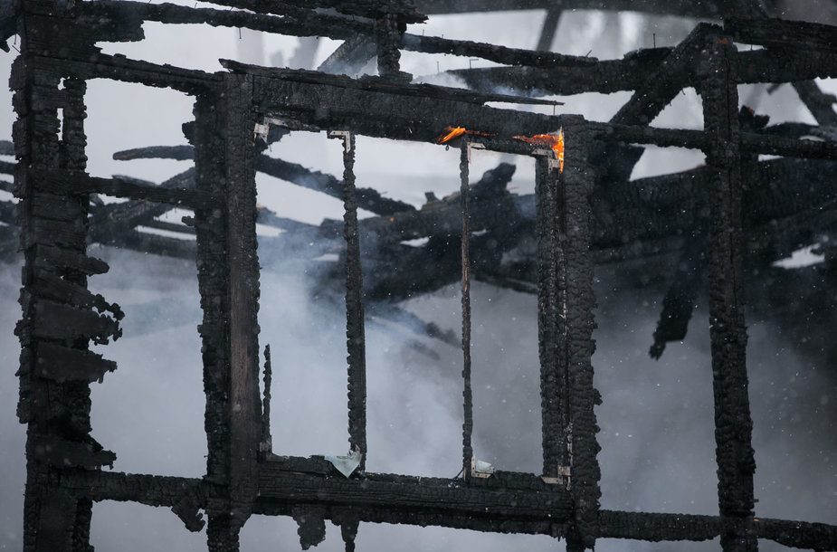 Vėsos gatvėje sudegė gyvenamasis namas