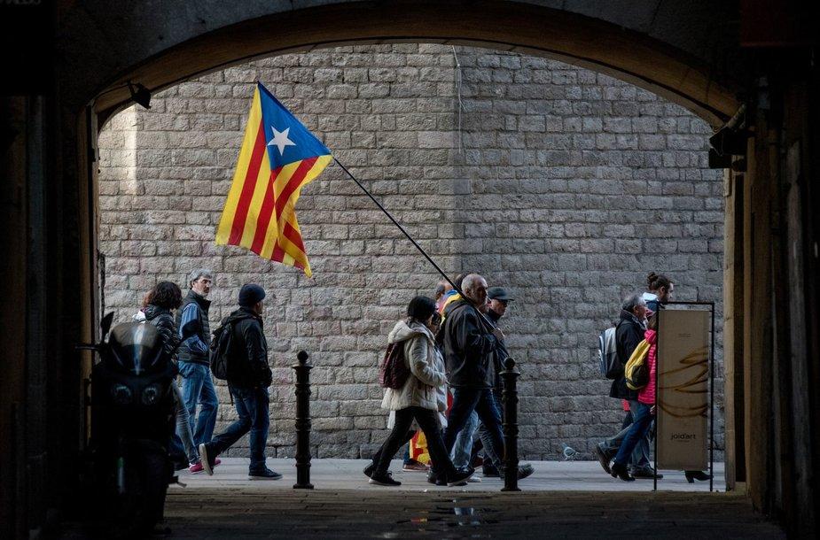 Katalonijoje susitikus Ispanijos vyriausybei protestuotojai susirėmė su policija