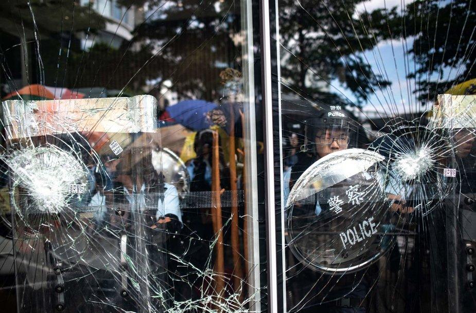 Protestas Honkonge minint perdavimo Kinijai metines