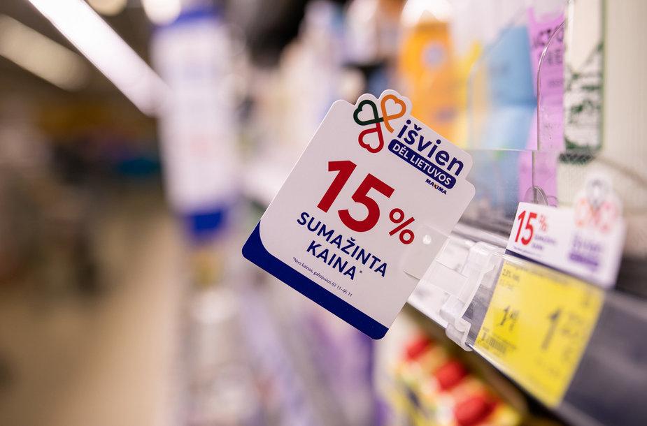 """""""Maxima"""" su Lietuvos gamintojais surėmė pečius – populiarūs lietuviški produktai kainuos pigiau"""