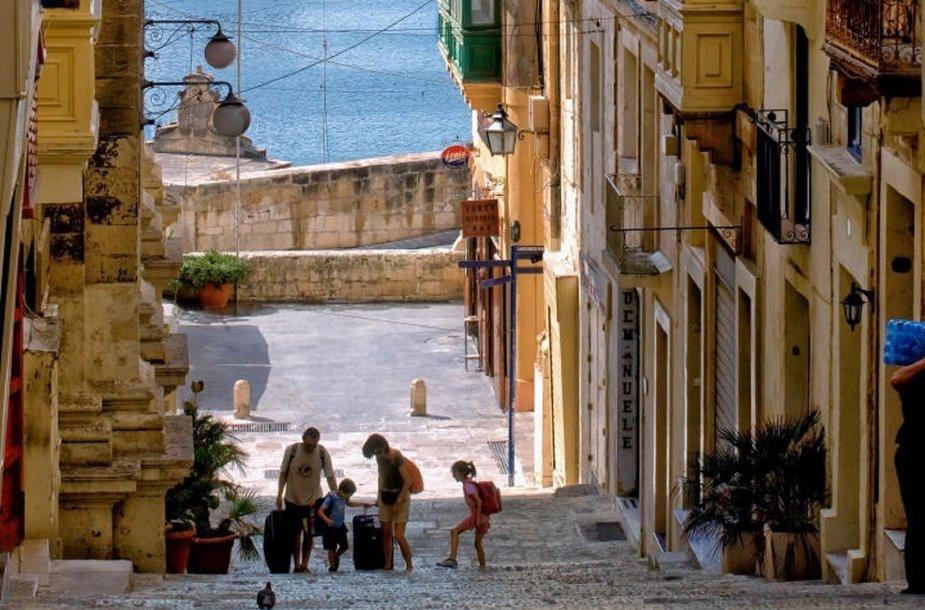 Šeima, atvykusi pailsėti į Maltą