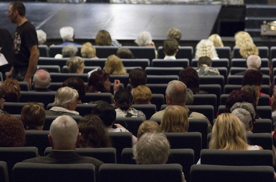 """Spektaklis """"Aš – Moljeras"""" buvo pristatytas regėjimo negalią turintiems žmonėms"""