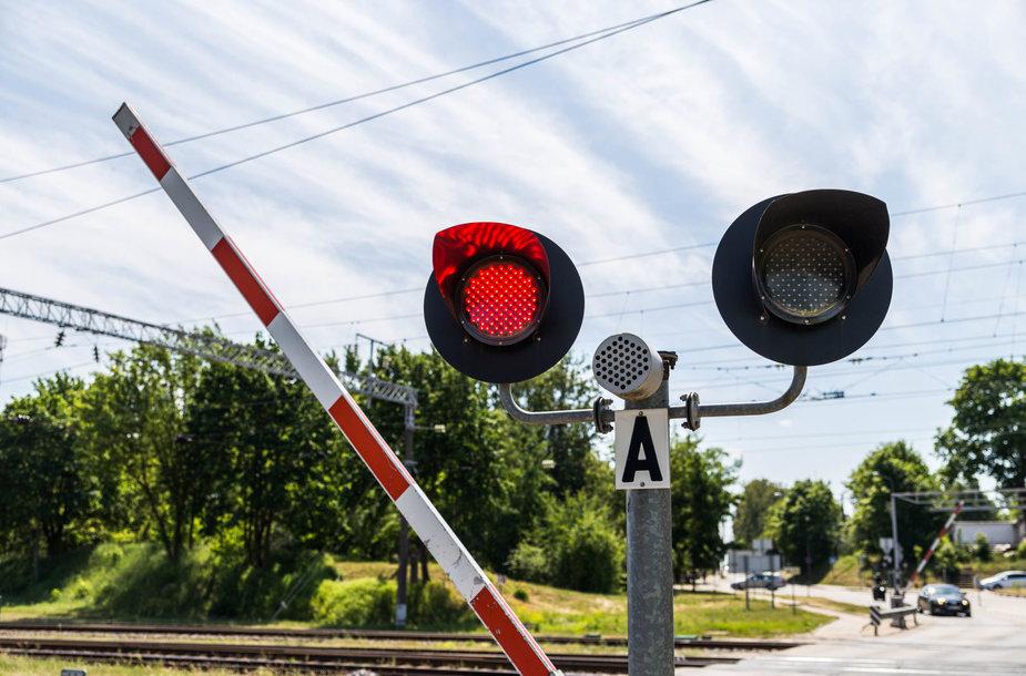 """Iki 2025 m. ambicingą tikslą – nulį žūčių pervažose – užsibrėžę pasiekti """"Lietuvos geležinkeliai"""" rengiasi nemažai pertvarkai"""