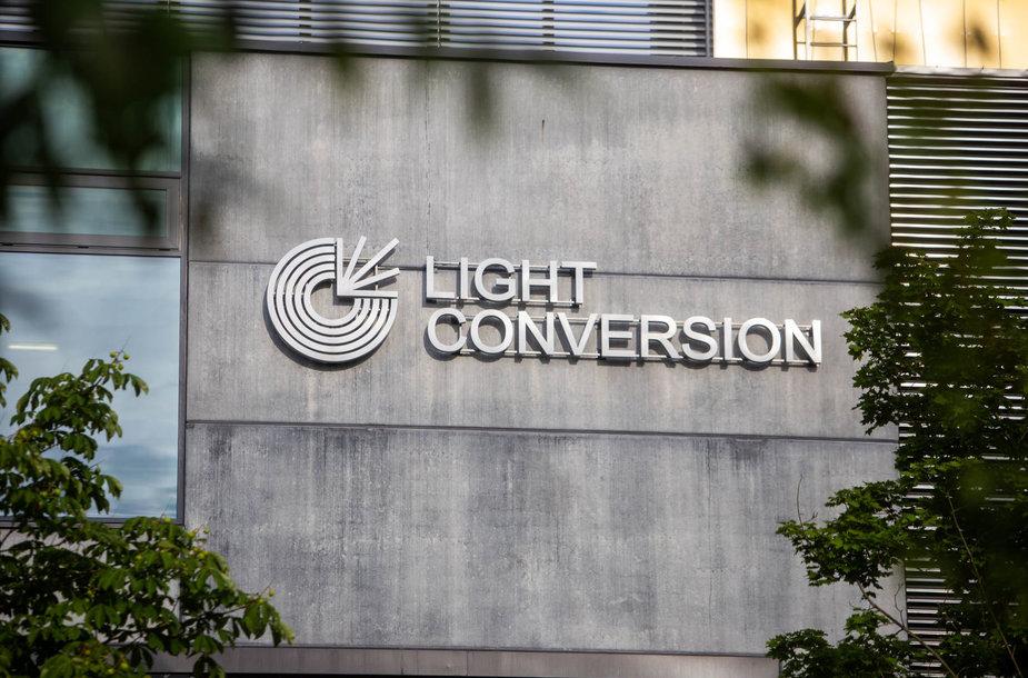 """""""Šviesos konversija"""" gamyklinių patalpų plėtimasis"""