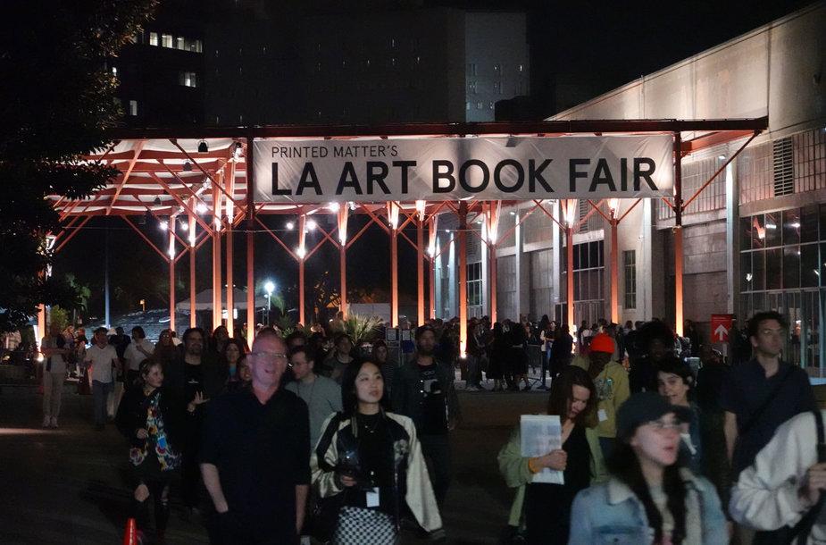 Los Andželo knygų mugė