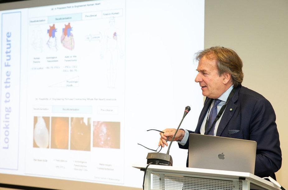 Prof. Gino Gerosa pristato bioninę širdį