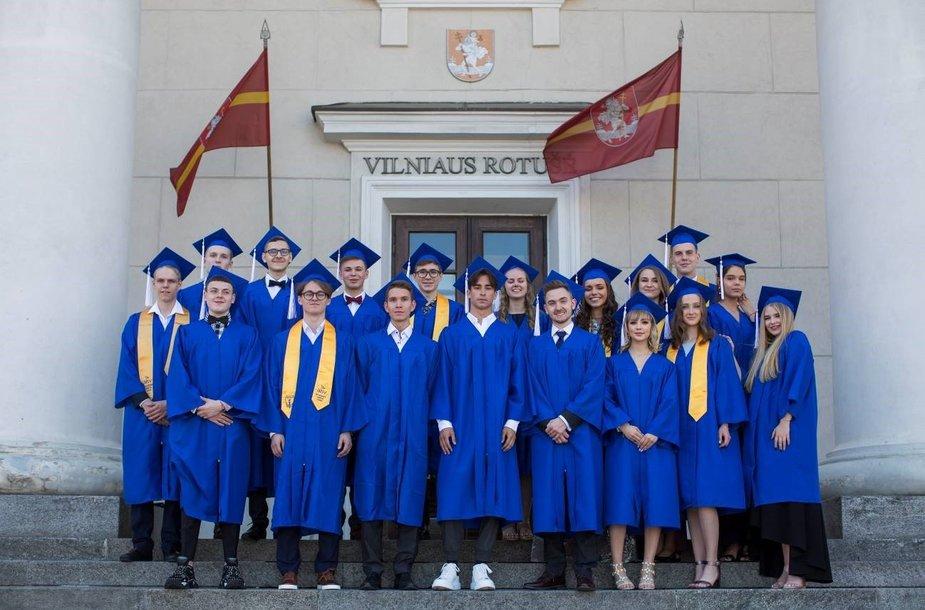 Happy graduates. Ridas Damkevičius photo