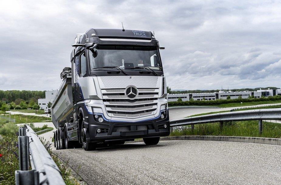 Mercedes-Benz fuel-cell truck prototype. Daimler