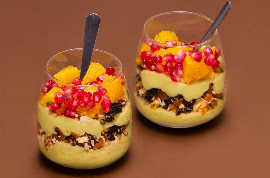norfa- avokadų ir bananų desertas