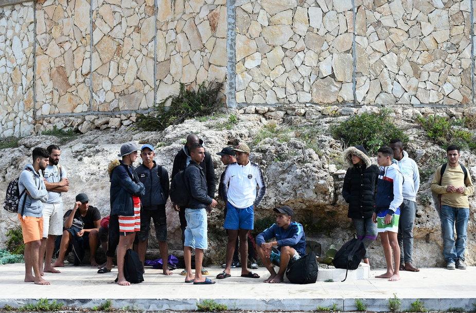 Migrantai Lampedūzos saloje