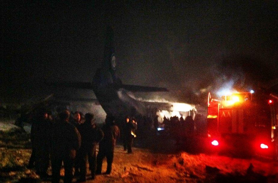 Prie Irkutsko sudužęs lėktuvas An-12