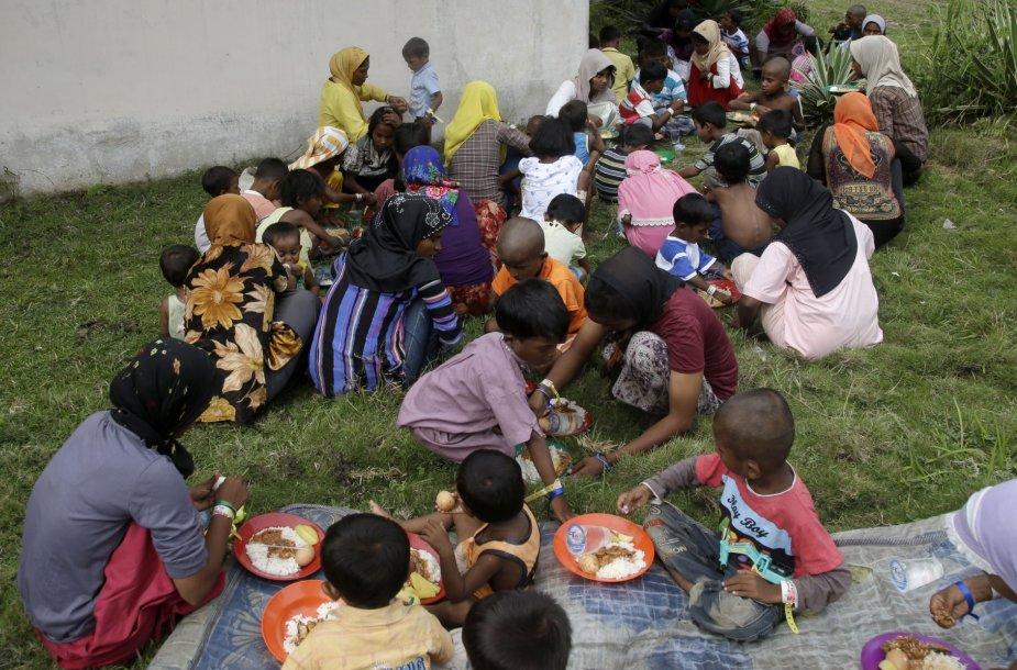 Kasmet į Malaiziją patenka tūkstančiai nelegalių migrantų.