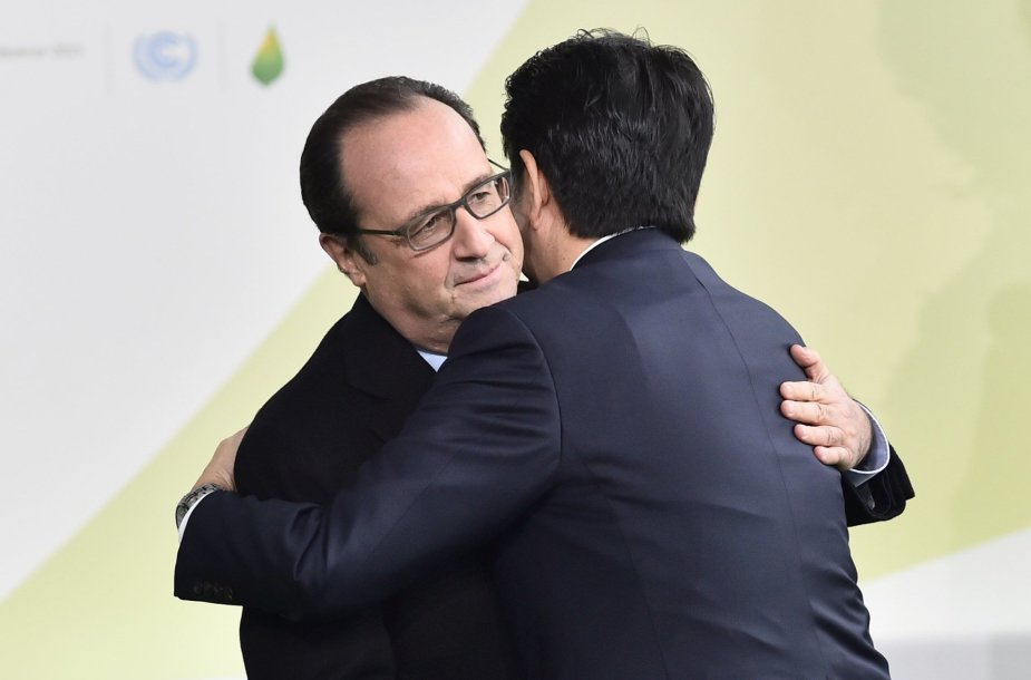 Francois Hollande'as ir Japonijos prezidentas Shinzo Abe
