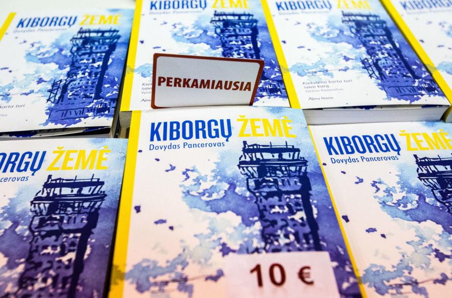 """Dovydas Pancerovas ir jo knyga """"Kiborgų  žemė"""" Vilniaus knygų mugėje"""