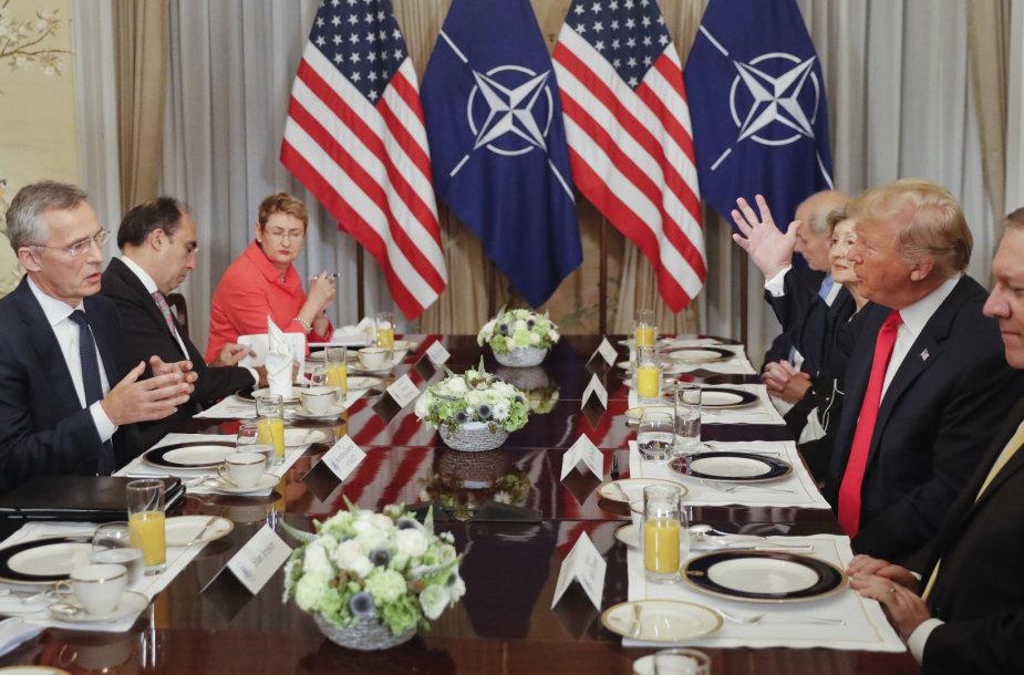 D.Trumpo ir J.Stoltenbergo susitikimas