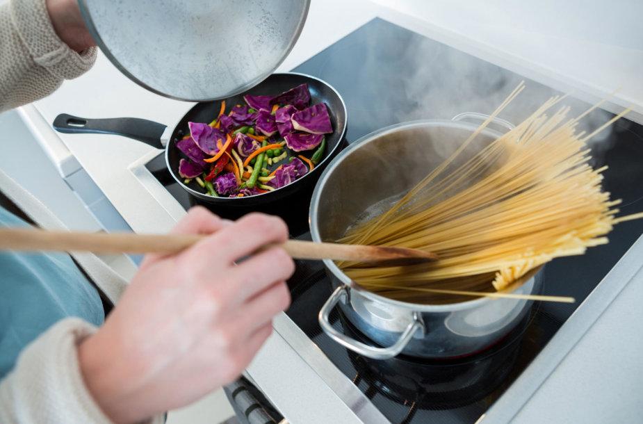 Namuose ruošiamas maistas