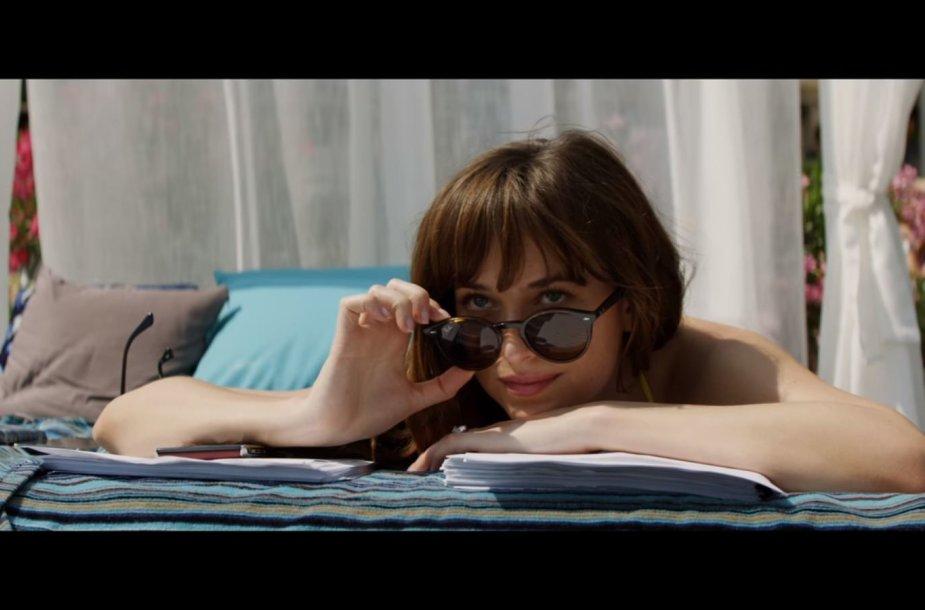 """Dakota Johnson filme """"Penkiasdešimt išlaisvintų atspalvių"""""""