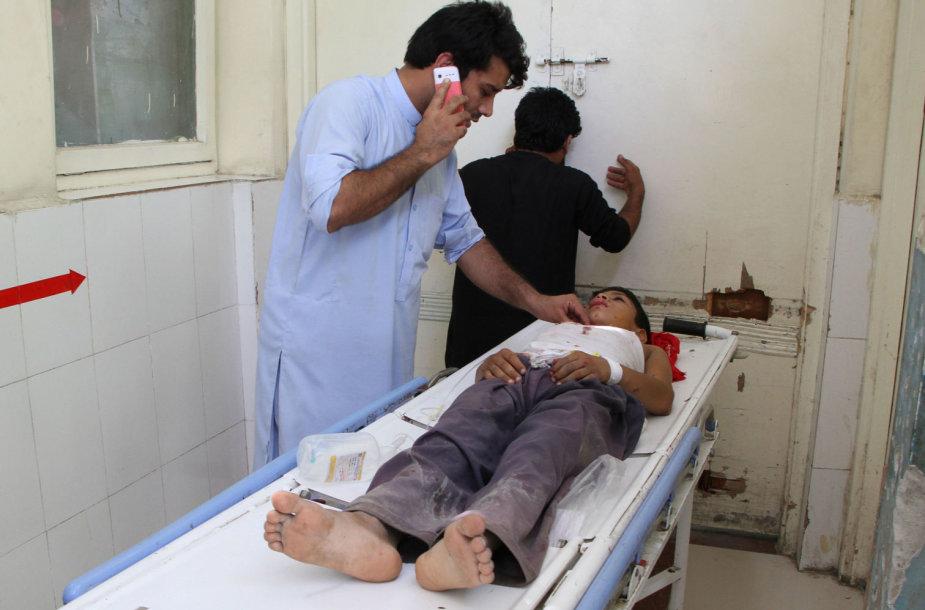 Nuo sprogimo Afganistane nukentėjęs vaikas