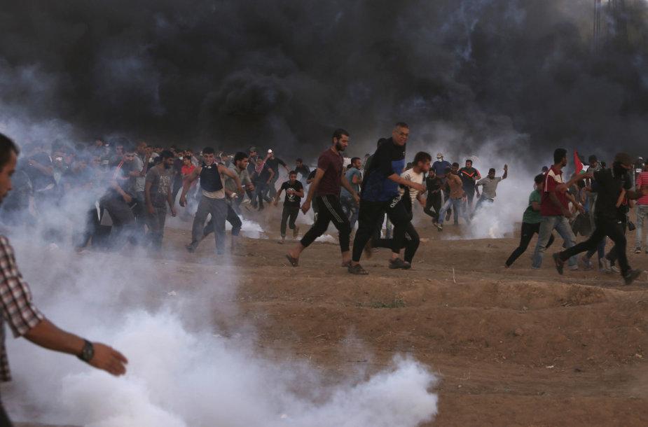 Palestiniečiai prie Izraelio sienos