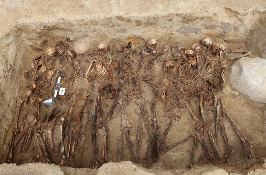 Masinės kapavietės vaizdas