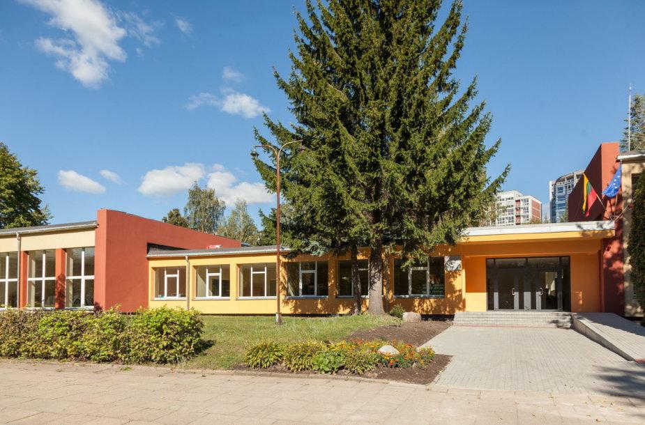 Atnaujinta mokykla Vilniaus Minties gatvėje
