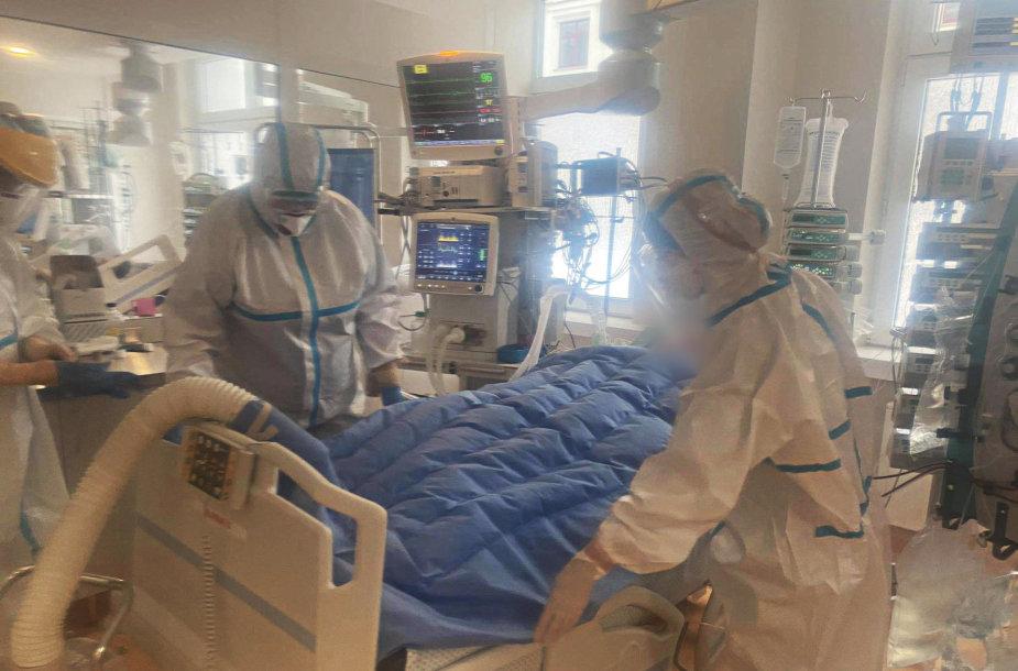 """""""Švyturio"""" dovanota įranga jau naudojama Santaros klinikų Covid-19 sergančių pacientų reanimacijos skyriuje."""