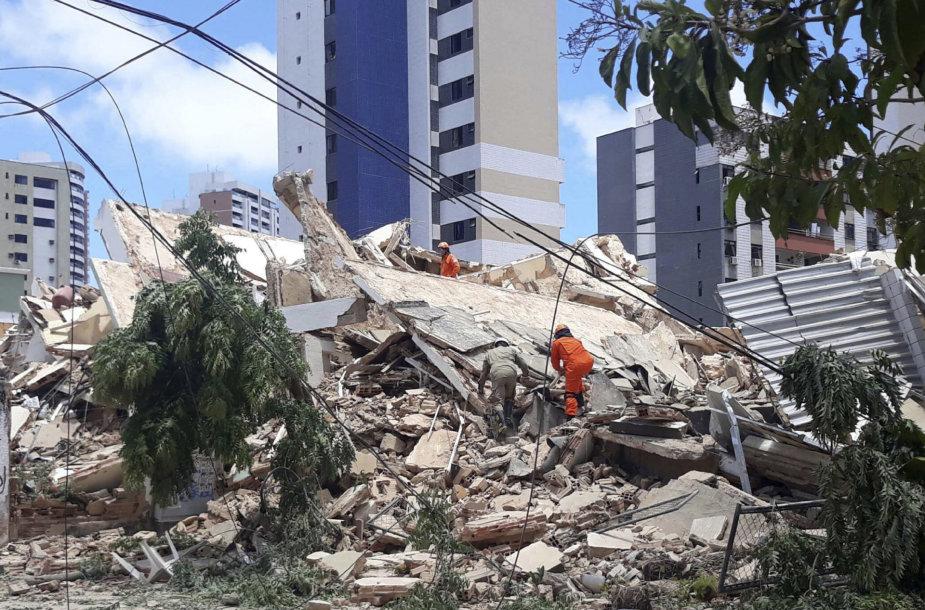 Brazilijoje sugriuvo septynių aukštų pastatas