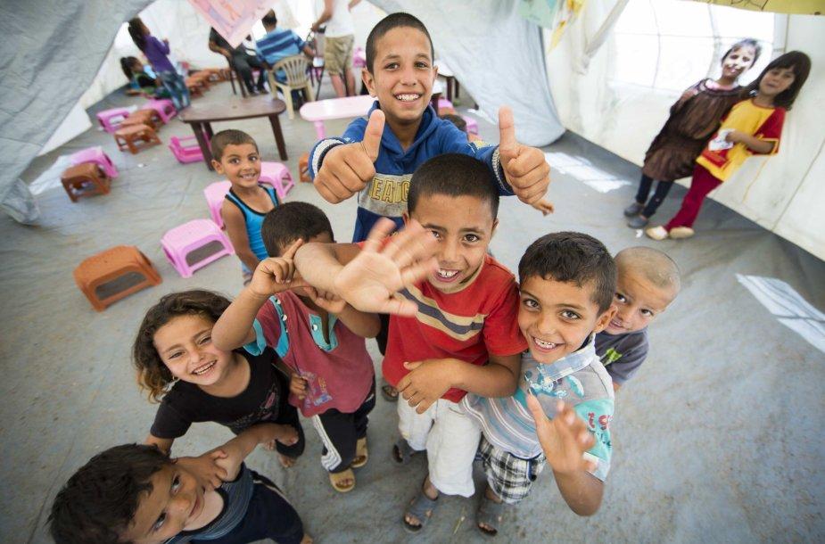 Vaikai pabėgėlių stovyklose
